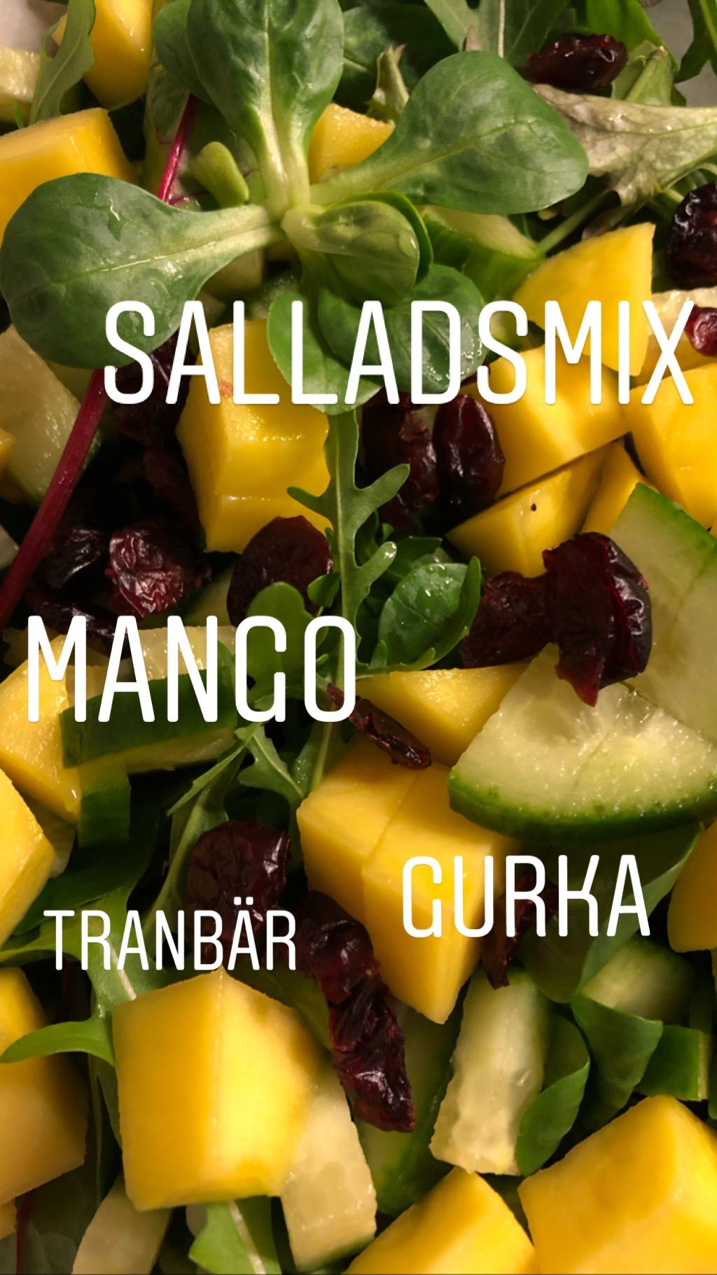 Kyckling med CURRY & mangosallad…