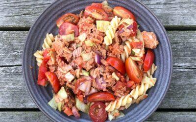 Pasta- & TONFISKSALLAD med het tomatsås…